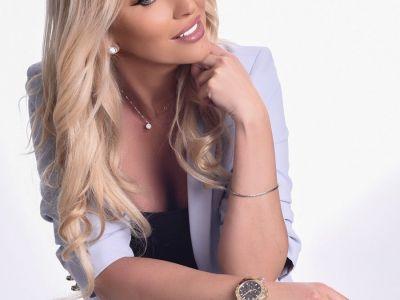 Cine este sora Andreei Marin. Cristina e blondă cu ochi albaștri și incredibil de frumoasă