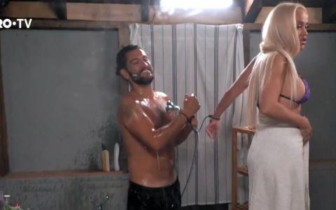 Anda Adam și Cezar Ouatu, duș în doi. Cum s-au descurcat atunci când au fost nevoiți să se spele