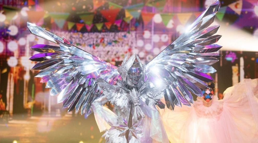 Masked Singer România: Îngerul i-a uimit pe toți cu vocea sa. Care a fost reacția detectivilor