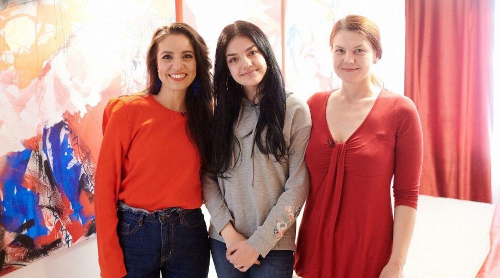 Povestea Dariei, adolescenta care s-a născut cu multe malformații, a ajuns la inimile românilor