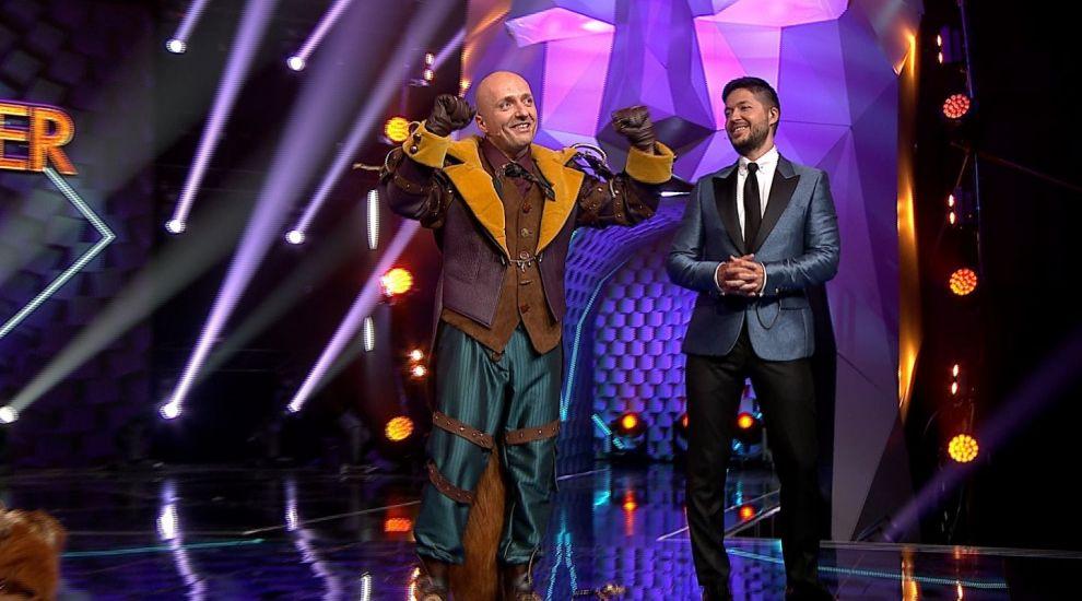Costi Ioniță a părăsit aseară show-ul Masked Singer România! Artistul s-a ascuns sub masca Vulpoiului