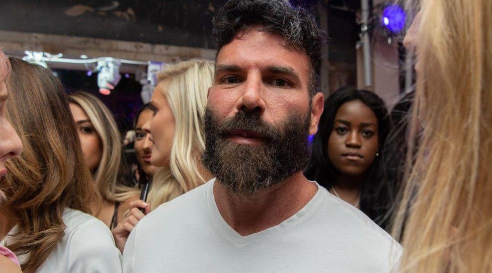 De nerecunoscut! Cum arăta milionarul Dan Bilzerian fără barbă