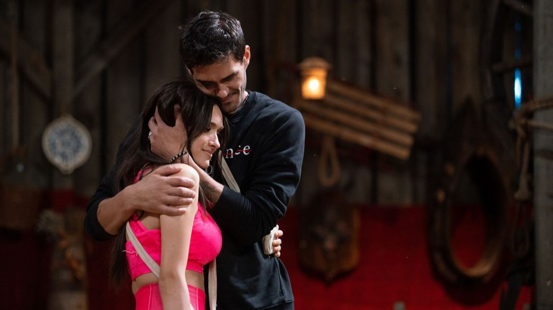 """Viviana: """"Am dormit pe paie în amintirea lui George"""". Cea mai neașteptată zi a adus o despărțire în lacrimi!"""