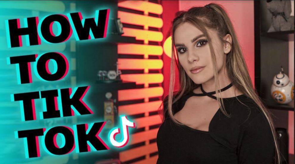 Aquene îți arată la How to TikTok ce sfaturi în relații poți să primești de pe TikTok
