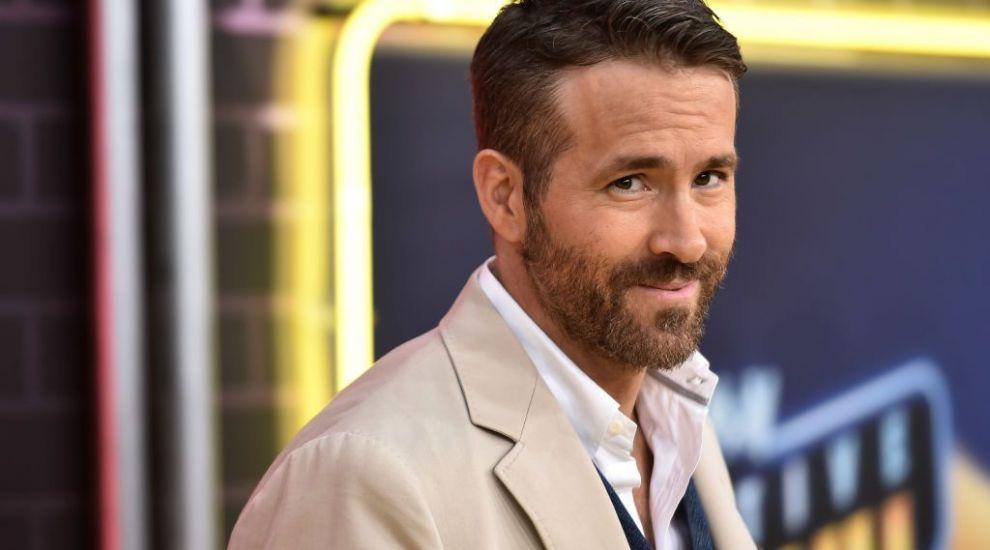 Ryan Reynolds își investește averea în fotbal! A cumpărat al treilea cel mai vechi club de pe planetă
