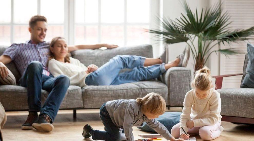 Spune-ne povestea casei tale și poți câștiga o asigurare de locuință pentru un an!
