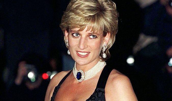 Imagini nemaivăzute cu prințesa Diana, în bikini, pe un iaht