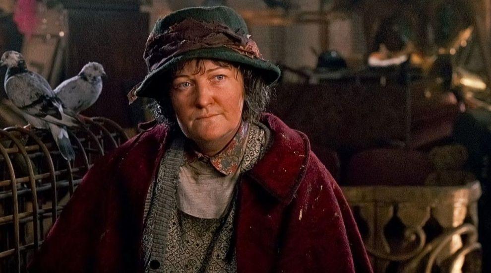 """Cum arată doamna cu porumbei din """"Singur acasă 2"""" la 28 de ani de la lansare. Poze recente cu Brenda Fricker"""