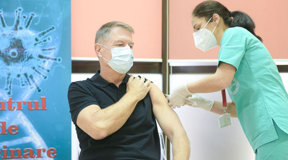 Ce spune Lucian Mândruță despre pozele cu președintele Klaus Iohannis de la vaccinare