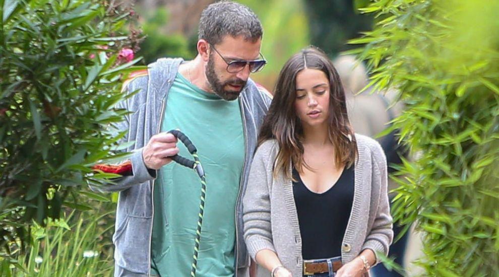 Ben Affleck și Ana de Armas s-au despărțit prin telefon, după mai puțin de un an de relație
