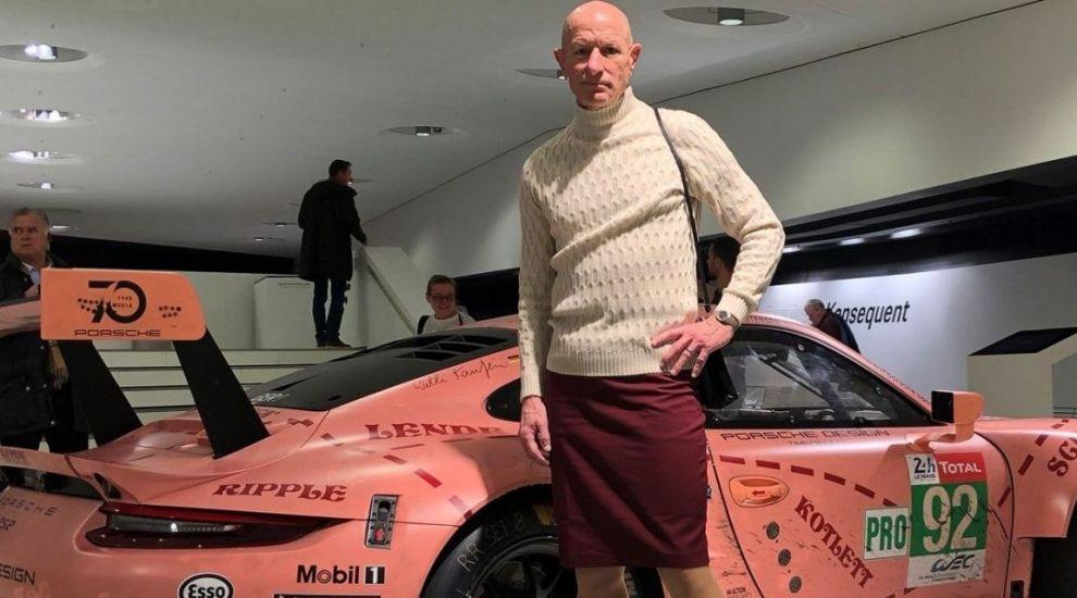 Un inginer din Germania, care poartă fuste și pantofi cu toc, a debutat ca model. Bărbatul reinventează moda masculină