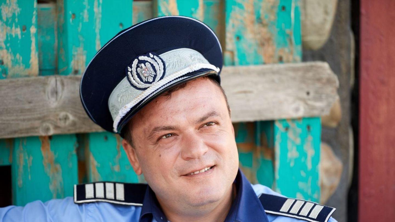 Las Fierbinți revine cu un nou sezon la PRO TV. Știrea zilei: Polițistul Robi s-a făcut vlogger!