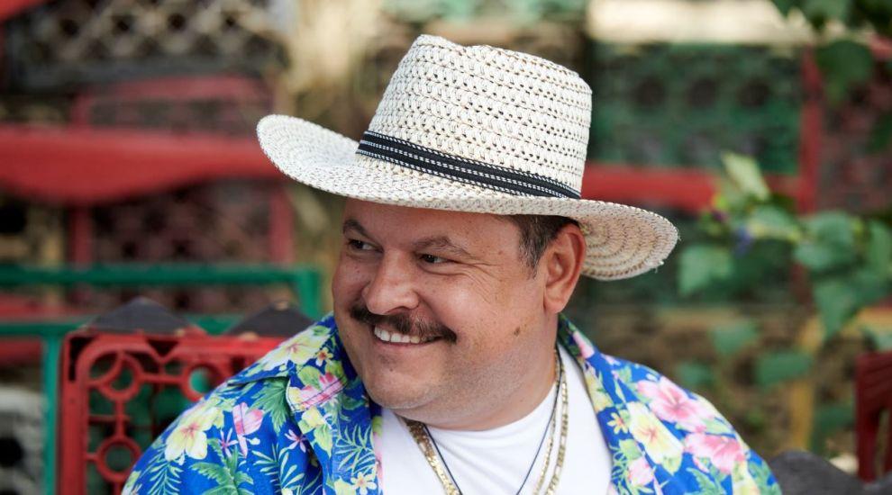 "Mihai Bobonete și-a ales ""Baba"" din martie. Incredibil cât de sexy este"