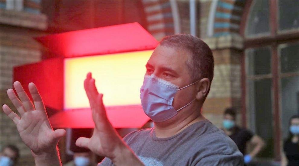 Radu Jude a câștigat Ursul de Aur, la Berlin, cu filmul Babardeală cu bucluc sau porno balamuc