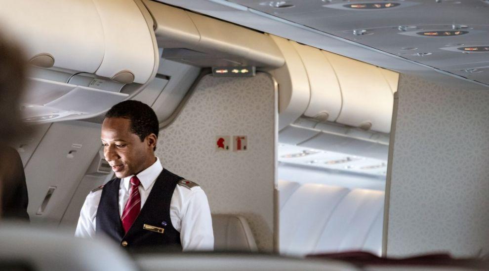 Anunțul însoțitorului de zbor i-a lăsat pe pasageri fără replică. Clipul s-a viralizat pe TikTok