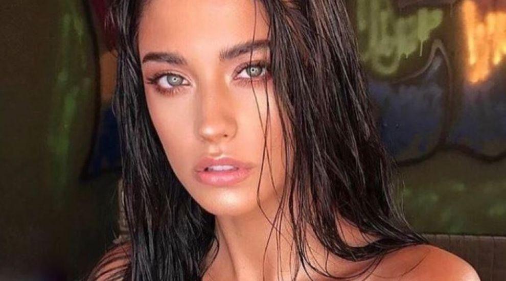Antonia, apariție seducătoare în bikini. Cântăreața își bronzează corpul perfect pe plajele din Maldive
