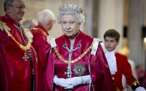 Cum a pierdut Regina 10 milioane de lire sterline într-un singur an