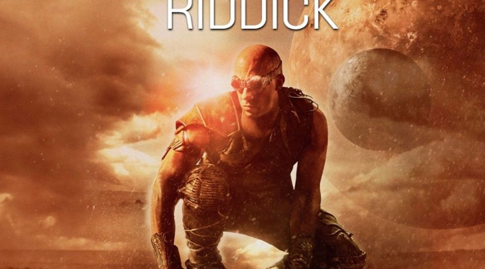VOYO.RO: Riddick are un singur scop: să-și salveze planeta, Furya, de la distrugere!