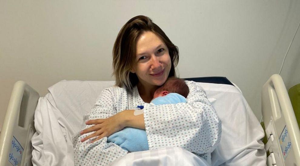 Adela Popescu, a treia naștere în aceleași condiții. Ce predicție a făcut prezentatoarea de la Vorbește lumea
