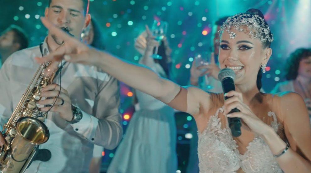 Muzica de petrecere, la mare căutare pe YouTube! Georgiana Lobonț și Vlăduța Lupău, în trending