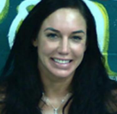 O femeie din SUA, arestată după ce s-a autosatisfăcut pe plajă! Riscă să ajungă la pușcărie