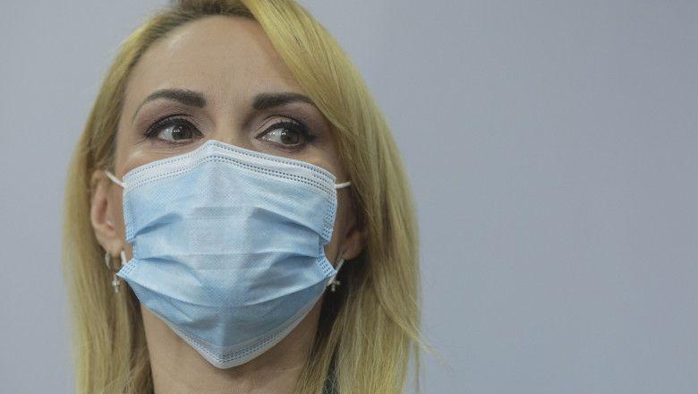 """Gabriela Firea, confirmată cu SARS-CoV-2, la scurt timp după ce s-a vaccinat cu a treia doză: """"În fața bolii suntem egali"""""""