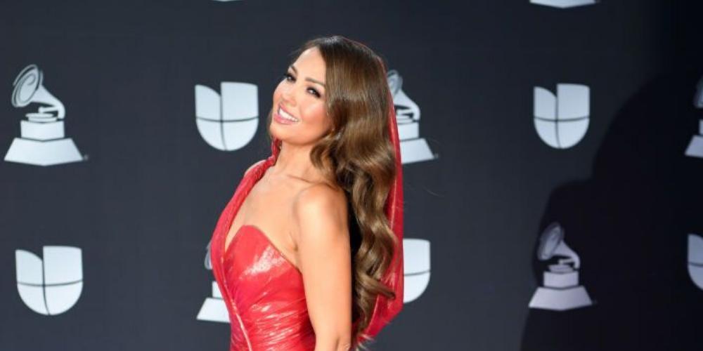 Thalia, regina covorului roșu la Premiile Latin Grammy. Ce ținute au purtat vedetele