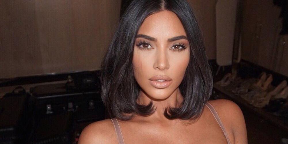Cum arată corpul lui Kim Kardashian când nu și-l modifică în Photoshop. Imagini surprinse de paparazzi