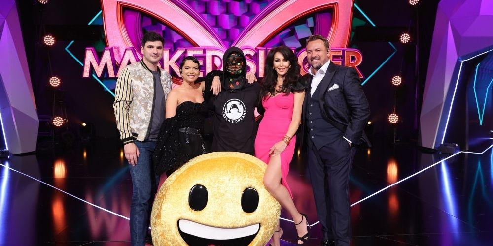 Surpriză colosală pe scena Masked Singer România! Sub masca Emoji-ului s-a ascuns cântărețul Carla's Dreams