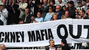 VEZI cum au protestat suporterii lui Newcastle impotriva patronului