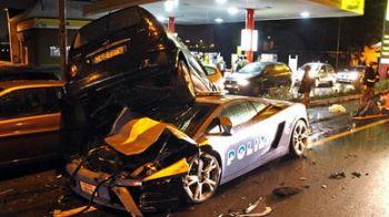 Mamma Mia! Lamborghini de politie de 165.000 de eurofacut praf intr-un accident in Italia!