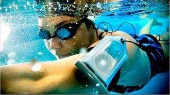 SENZATIE! Ce poti vedea la Jocurile Olimpice: casca de inot dotata cu MP3 player