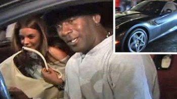 VIDEO / Care e mai TARE? Iubita sau Ferrariul lui Michael Jordan?