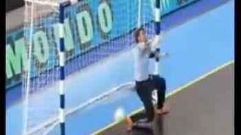 VIDEO / Asta este cel mai ORB arbitru din lume! Vezi un gol CLAR nevalidat!
