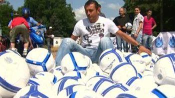 VIDEO:Jabulani din sosete!Cum a inceput Cristi Munteanu fotbalul si ce spune despre noua minge