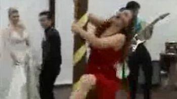 Sport EXTREM:Cea mai tare dansatoare la bara: a daramat TOT!VIDEO
