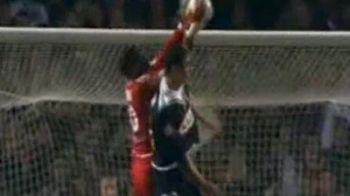 Autogolul zilei: Mandanda a boxat mingea in proprie poarta! VIDEO: