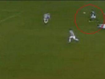 ASTAe cel mai frumos gol al anului 2010! GOLde la 35 de metri in Stoke City 3-2 Fulham!
