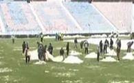 VIDEO Detinutii curata Ghencea! Vezi cum va arata gazonul pentru meciul cu Twente