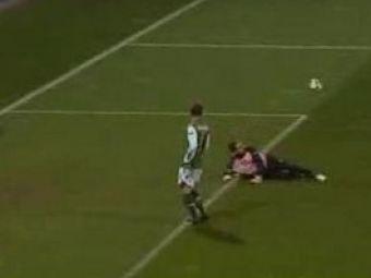 """Vezi o super """"scarita"""" in Werder Bremen 4-1 Nacional!"""