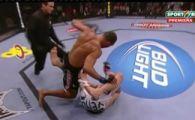 VIDEO:Avrut sa fuga, dar si-a luat un KO!Vezi o super-faza de la UFC106