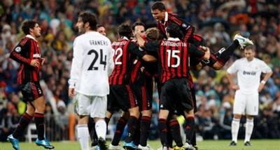 VIDEO: Gluma anului la Real-Milan! Vezi cum au fost pacaliti 1000 de fani italieni!
