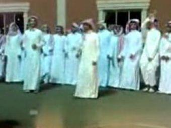 VIDEORadoi invata de la arabi sa danseze pe Smooth Criminal!