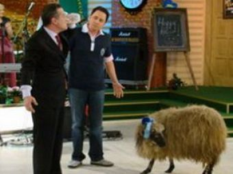 "Becali: ""In Romania sunt mai vanat ca MichaelJackson!"" :)"
