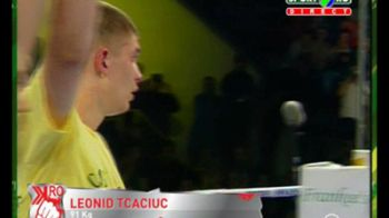 Urmasul lui Morosanu, ucrainianul Tcaciuc l-a umplut de sange pe Valentino Petrescu la Kombat.ro!