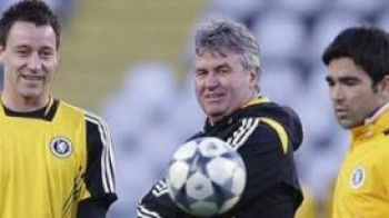 """Rusii si-au dat acceptul: """"Hiddink poate sa antreneze pe Chelsea si anul viitor!"""""""