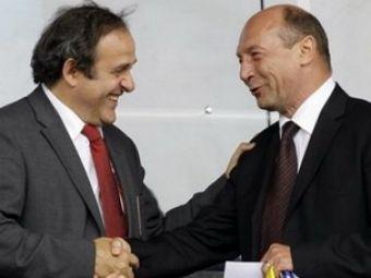 VEZI ce a primit Basescu de la Platini!