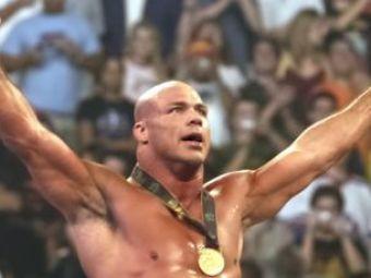Kurt Angle s-a decis! Se bate in cea mai sangeroasa liga: MMA