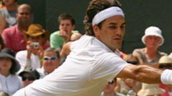 Greu de ucis! Vezi cum castiga Federer si in sufragerie!
