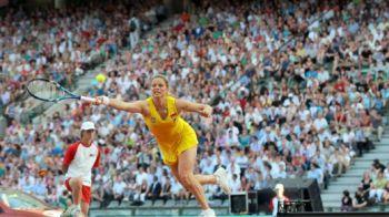 RECORD! 35.000 de oameni la un meci demonstrativ de tenis Clijsters vs. Serena Williams! VIDEO